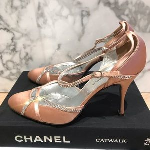 Dolce & Gabbana Silk and crystal wedding shoes